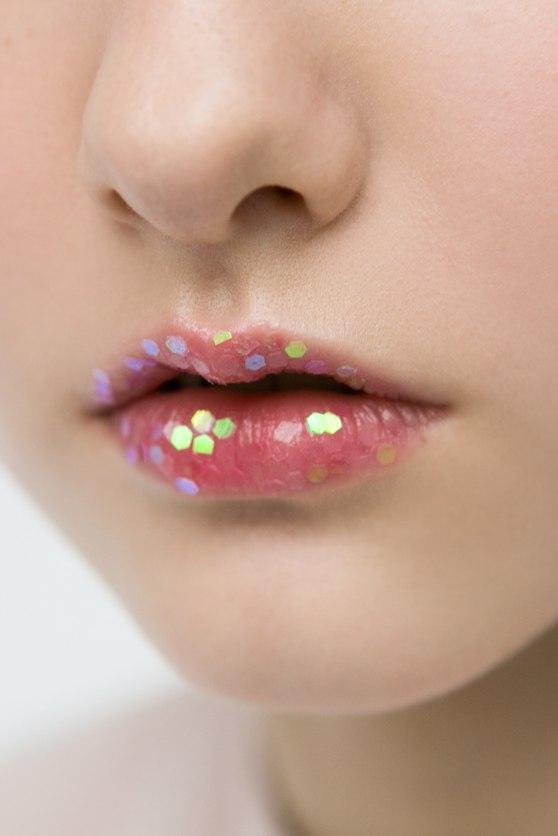 Звездные дети — о косметике: «Когда я вырасту, краситься не буду, потому что нормальные девочки не красятся»